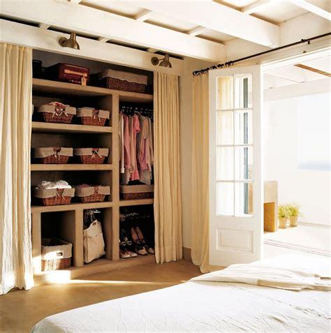 accessori per ordinare armadio come riordinare l armadio per il cambio di stagione idee