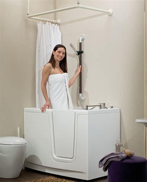 accessori vasca da bagno per anziani realizzazione di bagni per anziani rendi accessibile la casa