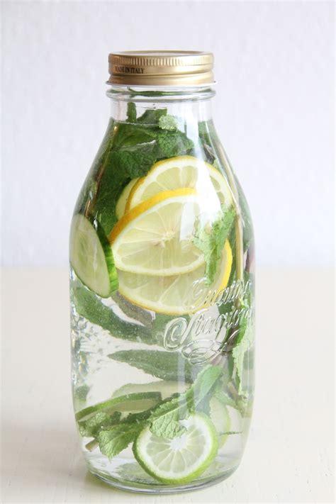 Detox Wasser Zitrone Minze by Zitronen Minze Detox Limonade Getr 228 Nke