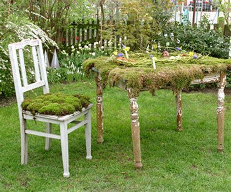 Stuhl Tisch by Gartengestaltung Leichte Und M 228 Rchenhafte Deko Ideen Im