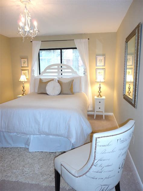 pictures of guest bedrooms livelovediy guest bedroom makeover