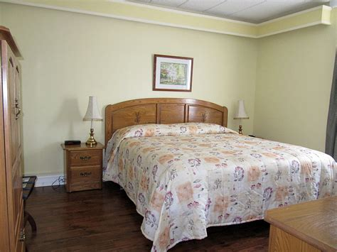 1 bedroom apartments antigonish one bedroom apartment the claymore inn suites