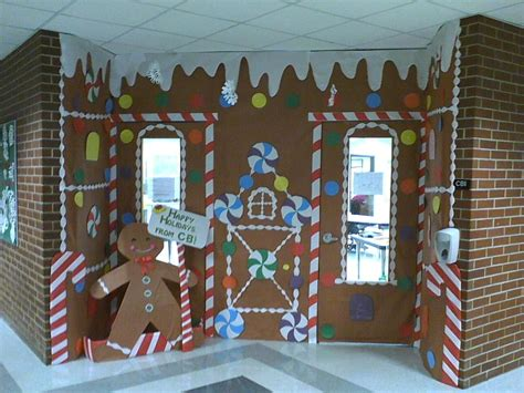 gingrbread house on school door wow gingerbread house school mini houses with graham crackers and milk cartons i need to