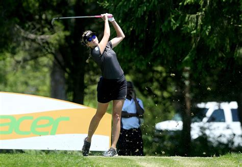 Friday Fab News Roundup Fabsugar Want Need 30 by Paula Creamer Shoots 66 In Shoprite Classic