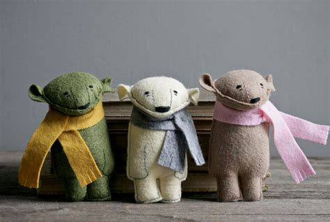 Handmade Felt Animals - every eskimo pocket bears handmade felt forest animals