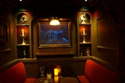 club 33 reopens with redesigned court of dining