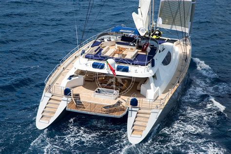 catamarans for sale south pacific croisi 232 re incentive en catamaran de luxe cannes arthaud