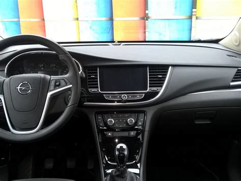 mokka interni opel mokka x gpl tech prova su strada panoramauto