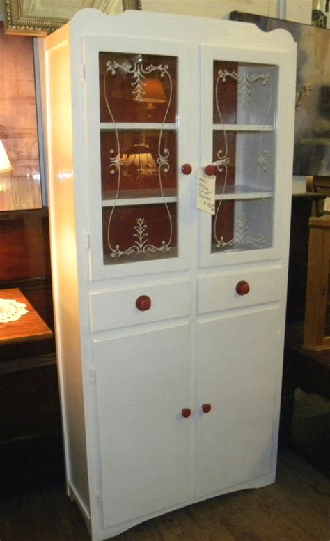 1940s kitchen cabinets pin by debi griffin on decorating