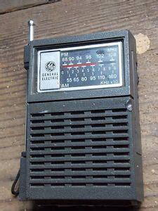transistor black screen one vintage 1961 toshiba 7 transistor radios model 7tp30 on popscreen