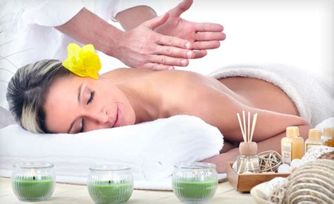 Reflexology And Detoxing by 27 For A 1 Hour Detox From Hue Spa Detox Clinic