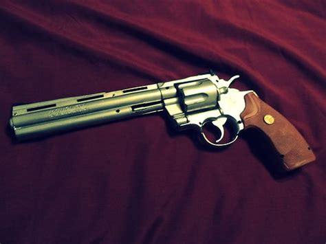 Walking Dead Revolver the walking dead rick grimes colt 357 python 1 1 scale resin replica nonworking ebay