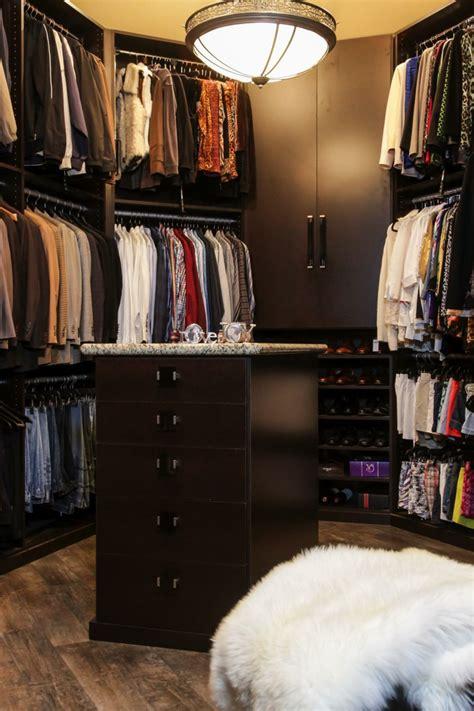 vestidor con isla armarios roperos y vestidores en el 225 tico
