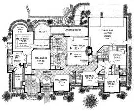 floor plans for large homes sprawling one story charmer hwbdo10218 country from builderhouseplans primary style