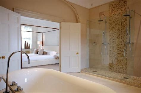 hotel rooms with bathtubs 4 poster suite bathroom jpg
