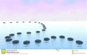 harmonie chemin de caillou sur l eau photographie stock