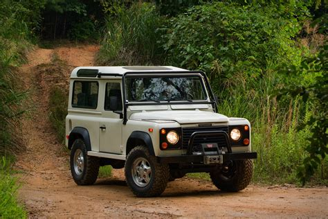 land rover experience defender land rover heritage driving experience uncrate