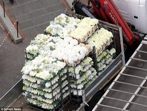 flower wall kim kardashian wedding kanye west shuts kim kardashian out of final wedding plans