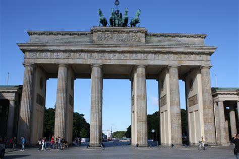 porta di brandeburgo berlino porta di brandeburgo viaggi vacanze e turismo turisti