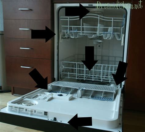 Dishwasher Not Cleaning Rack by How To Clean A Dishwasher Scrub And 1 C Vinegar Top