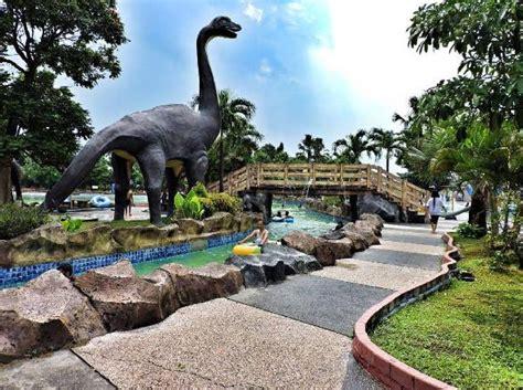 daftar tempat wisata menarik  kabupaten nganjuk jawa