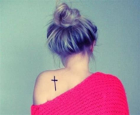 cross tattoo girl tumblr 18 adorable cross tattoo ideas for girls amazing tattoo