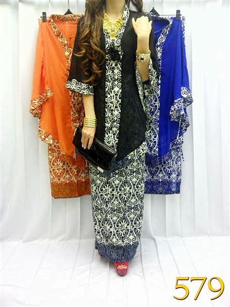 Kebaya Setelan Kutu Baru Elnira New2 model kebaya batik stelan newhairstylesformen2014
