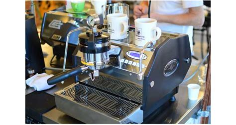 Mesin Kopi La Marzocco filosofi kopinya david lynch kopi keliling