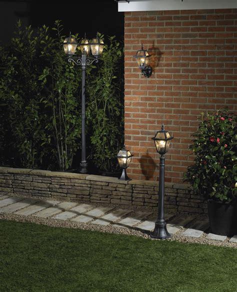 low level garden lighting creating a garden atmosphere using lighting