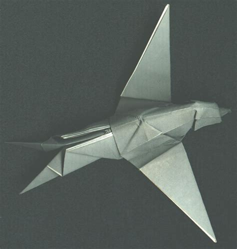 Origami Airplanes That Fly Far - paper airplanes that fly far amanin