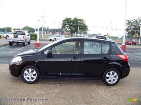 black nissan versa nissan versa 2012 hatchback black pixshark com