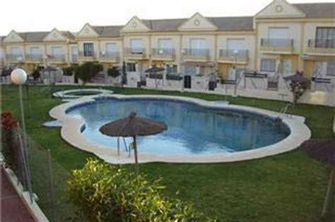 alquiler apartamentos playa cadiz apartamento en la barrosa en alquiler con piscina