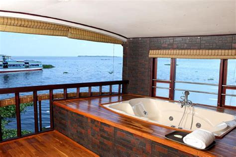 6 bedroom houseboat 6 bedroom houseboat 28 images super luxury houseboats