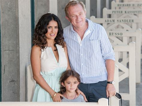 Salma Hayek Is Engaged And Knocked Up by Billionaire Husband Made Salma Hayek Work After Baby