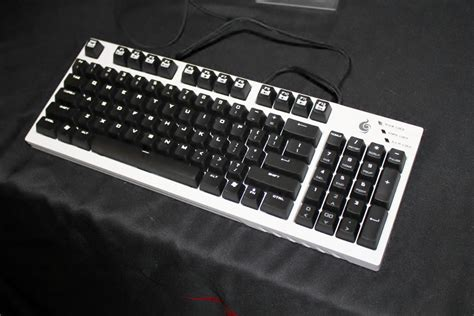 Keyboard Cooler Master Quickfire Tk Brown Switch White Led cm store limited edition white quickfire tk brown switch now available