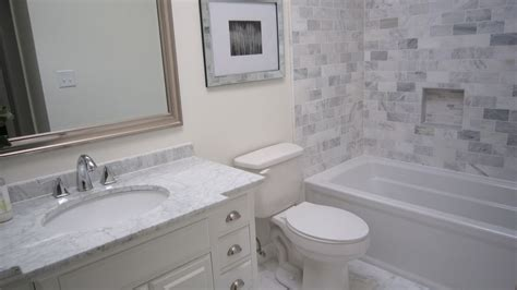 traditional full bathroom with quartz countertop in