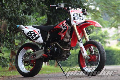 Modifikasi Jupiter Mx Yang Murah by Modifikasi Yamaha Jupiter Mx Kawin Silang Dengan Honda