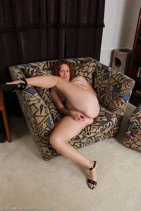 featuring 35 year old roxanne clemmens from vancouver