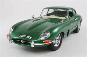 Diecast Jaguar Green 1961 Jaguar E Type Coupe Diecast 1 18 Model Car