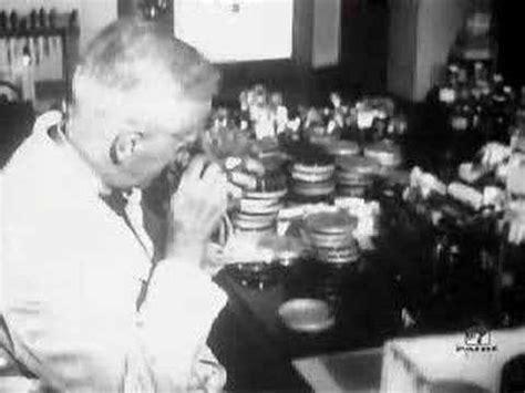 alexander fleming invention of penicillin biography com alexander fleming the inventor of penicillin educational
