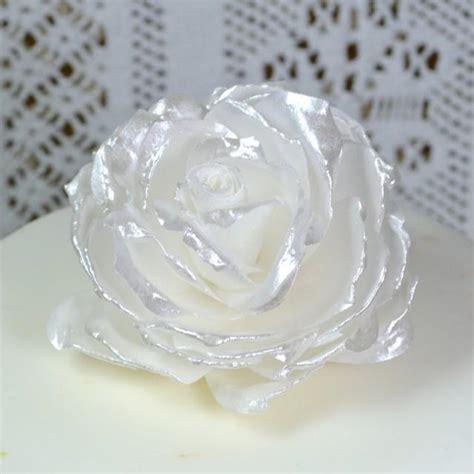 Edible Wafer Paper edible white pearl lustre 3d flowers wedding cake