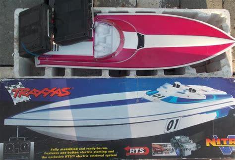 traxxas nitro boats lot of 2 traxxas nitro gas powered remote control boats