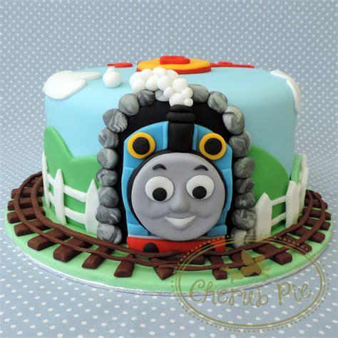 thomas the tank engine cake cakes pinterest
