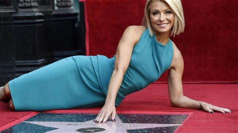 how does kelly ripa get her ringlets in her hair index kelly ripa gets her star on the hollywood walk of