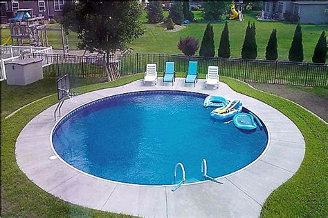 pool that turns into a patio american hwy
