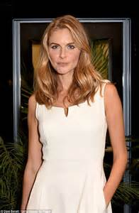 sophisticated makeup for 35 years old donna air shows off her chic summer style in a pretty