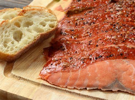 frozen hot smoked salmon frozen smoked salmon pre sliced 15pcs box esclusivo