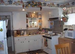 Kitchen Border Ideas by Some Different Types Of Kitchen Wallpaper Borders Home