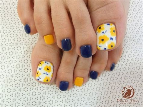 flower design on toenails 23 cute easy toenail designs for summer pretty designs