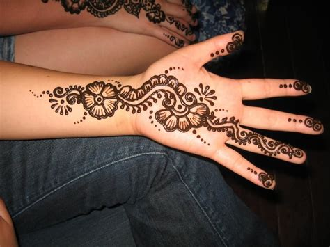 best tattoo for left hand 34 nice henna hand tattoos
